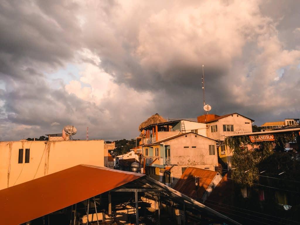 zonsondergang op Flores, Guatemala