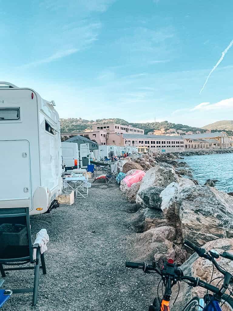 finale ligure strand campers