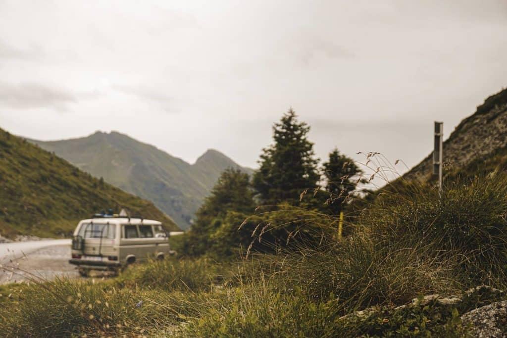wonen in een camper bos